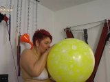 Amateurvideo Der Ritt auf dem großen gelben Luftballon from Annadevot