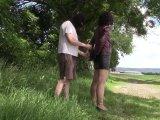 Amateurvideo Leder Rock, Jacke und Handschellen von bondageangel