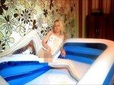 Amateurvideo Pissen im Wohnzimmer von Ero2nite