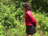 Amateurvideo In der Lederminirock und Handschellen von bondageangel