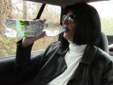 Amateurvideo Pinkeln im Auto 10. von bondageangel
