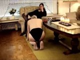 Amateurvideo Sklavenhündchen nach dem Frühstück von StrengeLadyJ