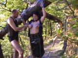 Amateurvideo Bondage am Baumstamm von crazy1963