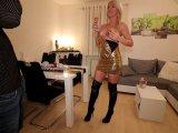 Amateurvideo Der perverse Hardcore-Schlampentrick! Analrakete + Sektdusch von Daynia