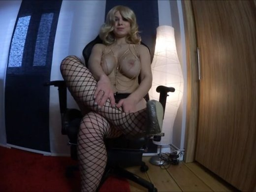 Goldmarie und ihre Heels dominant DT