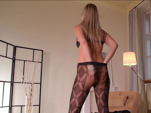 In Sexy-Nylons