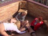 Amateurvideo Fingern und wichsen, unsere Fötzchen brauchen es hart! von BlondeBabe