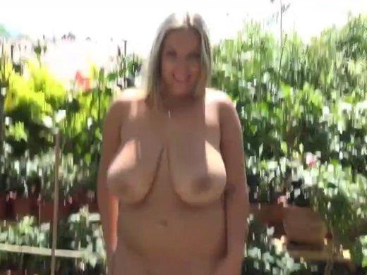 Amateurvideo Da hüpfen die Titten Mein praller geiler Body! von Busty_Bombastic