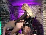 Amateurvideo Der Strap-on Herrin ausgeliefert von Calea_Toxic