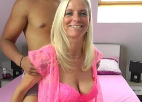 DirtyTina - Zaertlicher Amateur-Sex UNCUT XXL  Latino vs. MILF